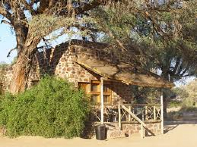 Brandberg White Lady Lodge und Campsite
